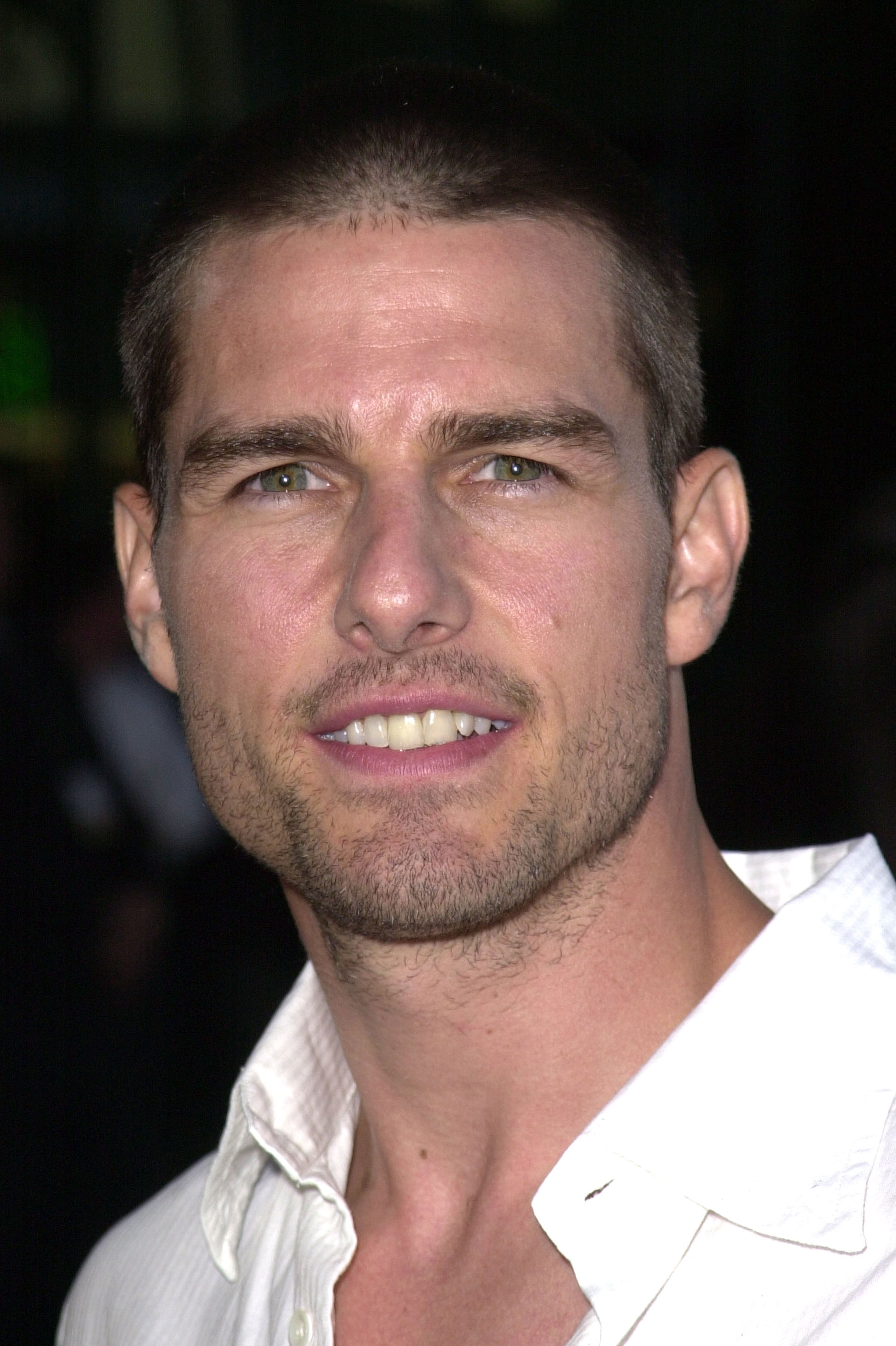 Tom Cruise looked sexy with shorter hair for The Others premiere in LA in August 2001.