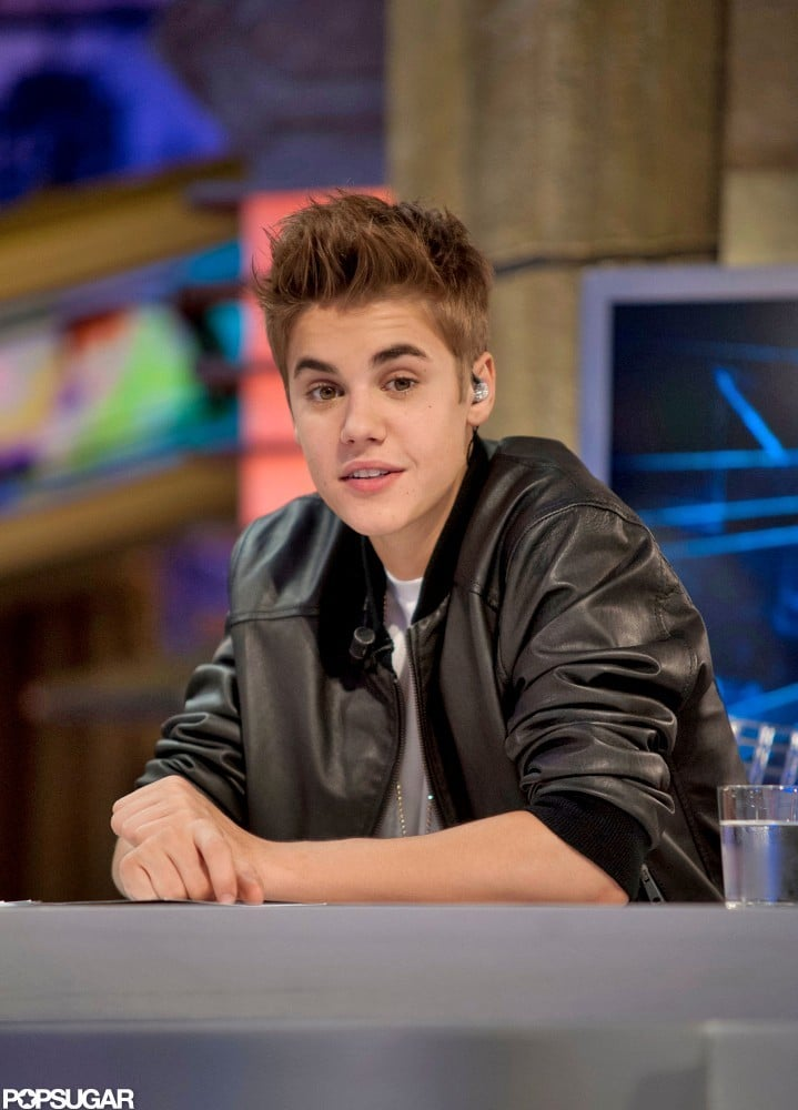 Justin Bieber looked cool in his black jacket on El Hormiguero.