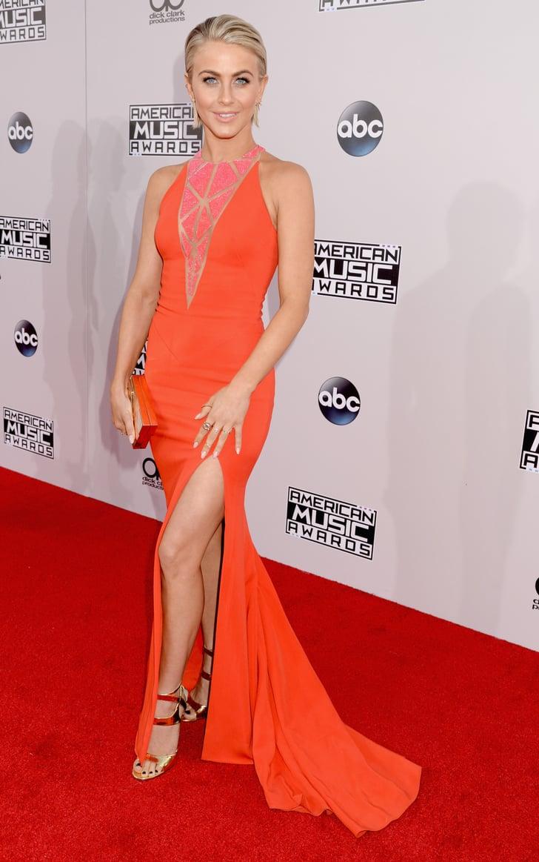 Julianne Hough American Music Awards 2014 Red Carpet