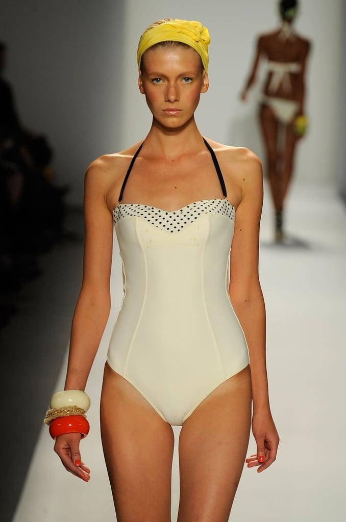 New York Fashion Week: Rosa Cha Spring 2010