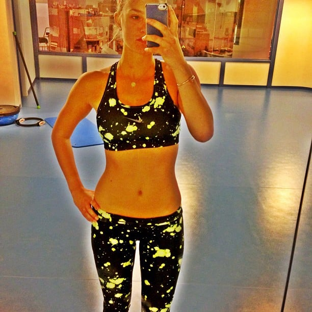 Bar Refaeli wore a splattered-paint-print ensemble while logging time in the gym. Source: Instagram user barrefaeli