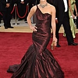 Who remembers this dress? We love this vintage Keira Knightley photo from 2006, when she wore a plum taffeta Vera Wang dress to the Academy Awards.
