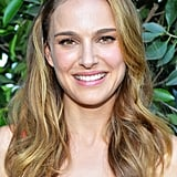 Also at the gala, Natalie Portman opted for long beach waves and a natural makeup look that focused on a soft flush of pink on her lips and cheeks.
