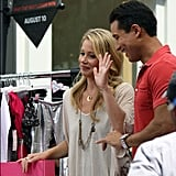 Christina Applegate gave Mario Lopez some fashion tips. Source: Instagram user extratv