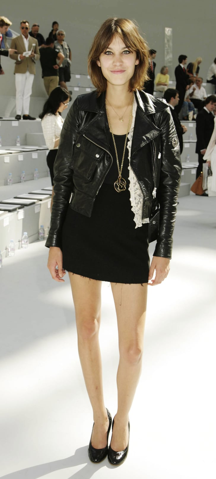 celeb style alexa chung at chanel couture show popsugar fashion uk. Black Bedroom Furniture Sets. Home Design Ideas