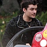 Pictures of Orlando Bloom Chatting With Another Driver in LA