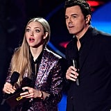 Amanda Seyfried and Seth MacFarlane had some trouble with the teleprompter.