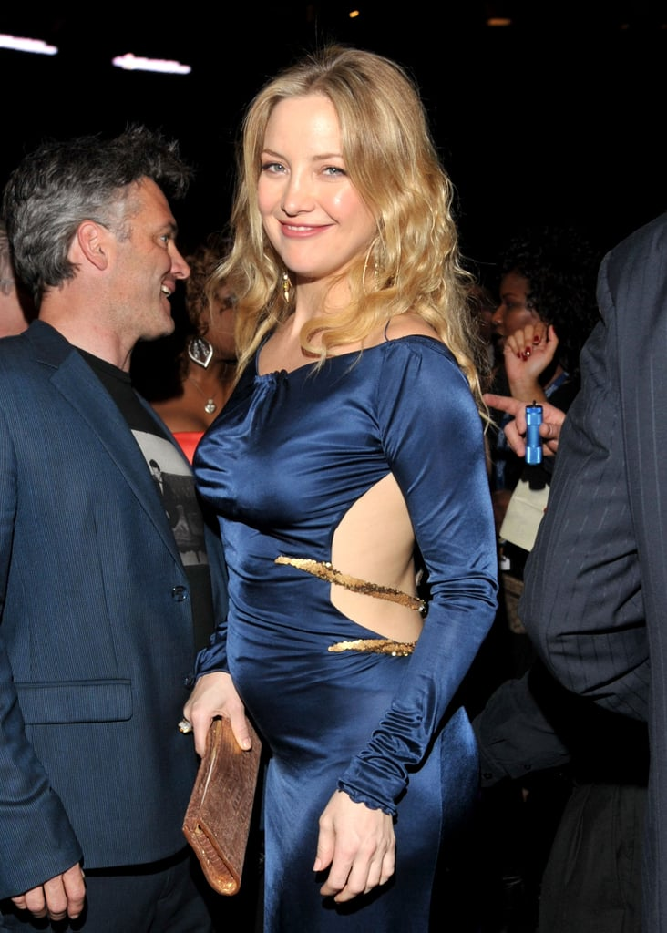 Pictures of Kate Hudson Showing Her Baby Bump at the 2011 Grammy Awards