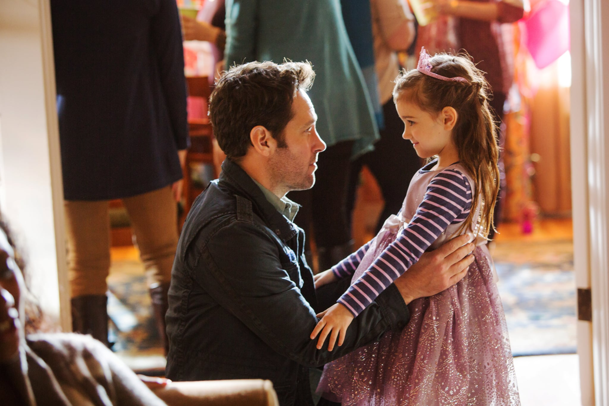 ANT-MAN, l-r: Paul Rudd, Abby Ryder Fortson, 2015. ph: Zade Rosenthal/Walt Disney Studios Motion Pictures/Courtesy Everett Collection