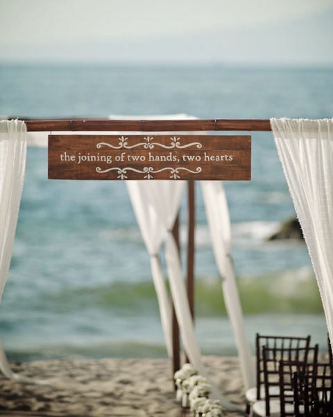 Wedding Pictures At The Altar: Have A Special Quote Or Phrase That Speaks To You