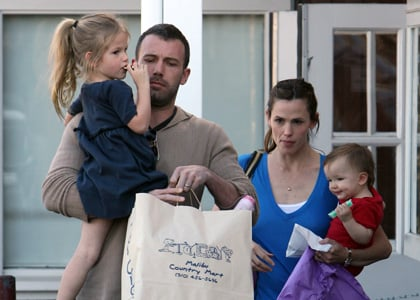Ben Affleck goes shopping with his ladies