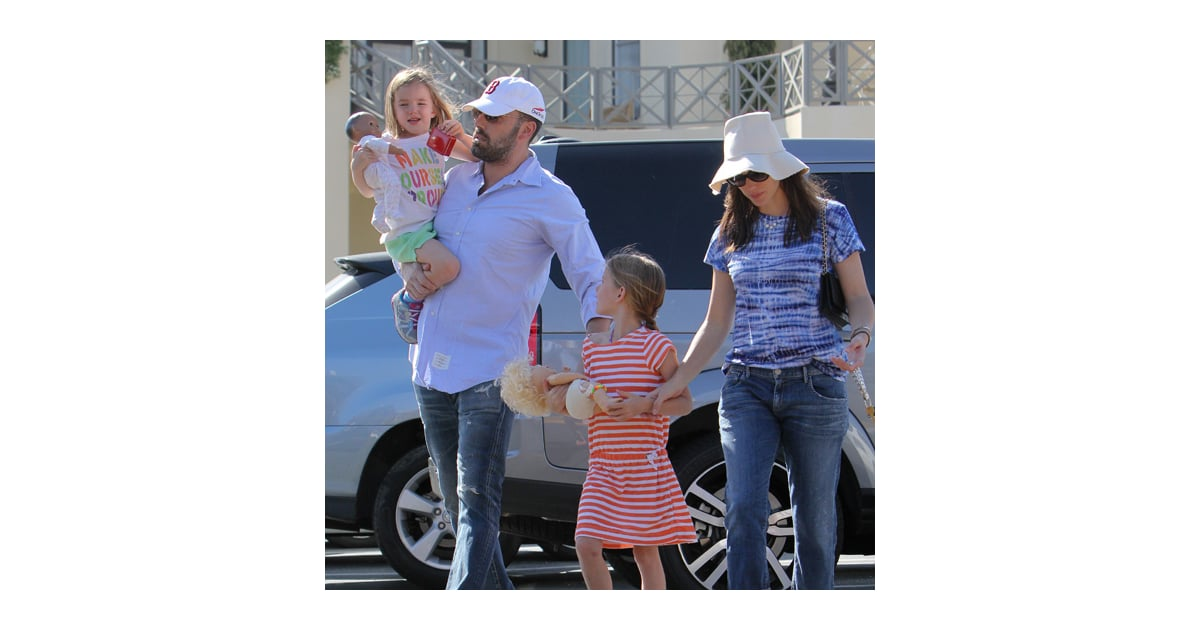 Ben Affleck, Jennifer Garner and Daughters in LA ...