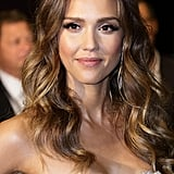 Jessica Alba stepped out in Singapore for the 2013 Social Star Awards in a sexy white dress. She went for a radiant complexion with peachy cheeks, shimmering eye shadow, and glossy lips. Her beach waves had plenty of shine for a red-carpet-worthy look.