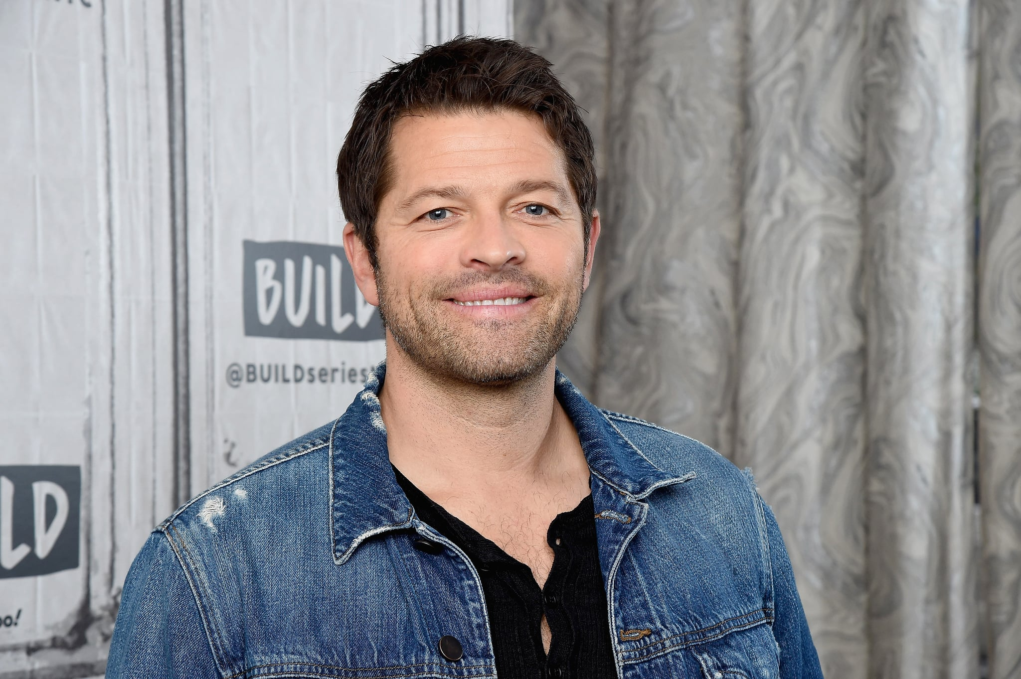 NEW YORK, NEW YORK - NOVEMBER 04: Actor and author Misha Collins visits the Build Series to discuss the book