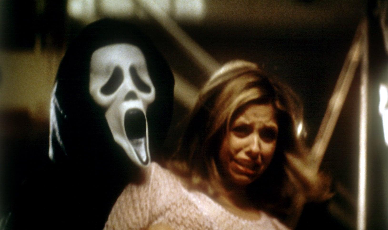 SCREAM 2, Sarah Michelle Gellar, 1997, mask