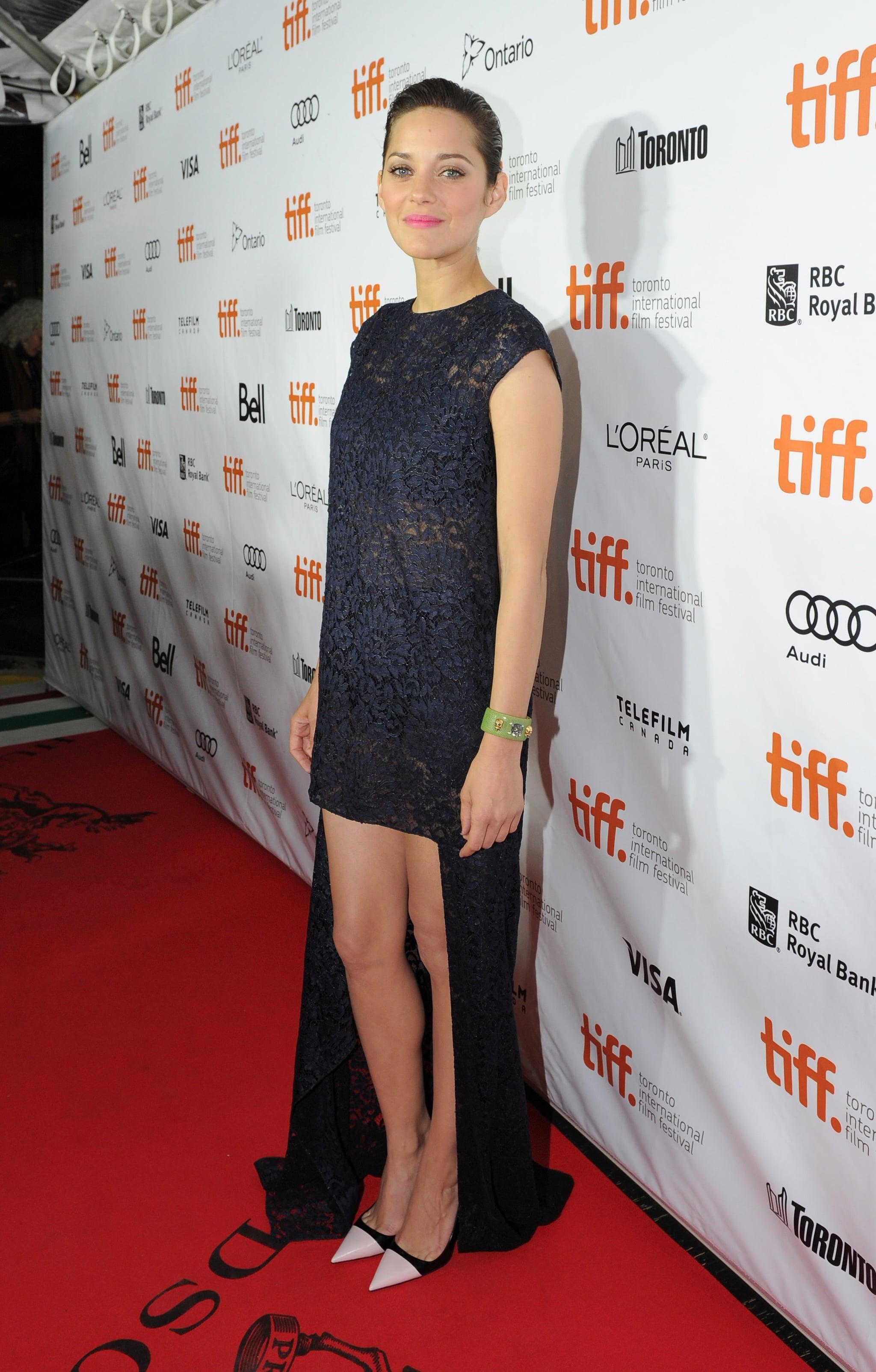 Marion Cotillard showed a little leg at the Blood Ties premiere.