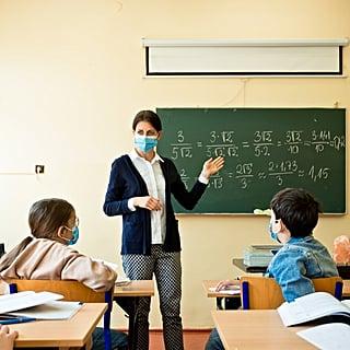 US Pediatricians Recommend Kids Return to School This Fall Despite Risks