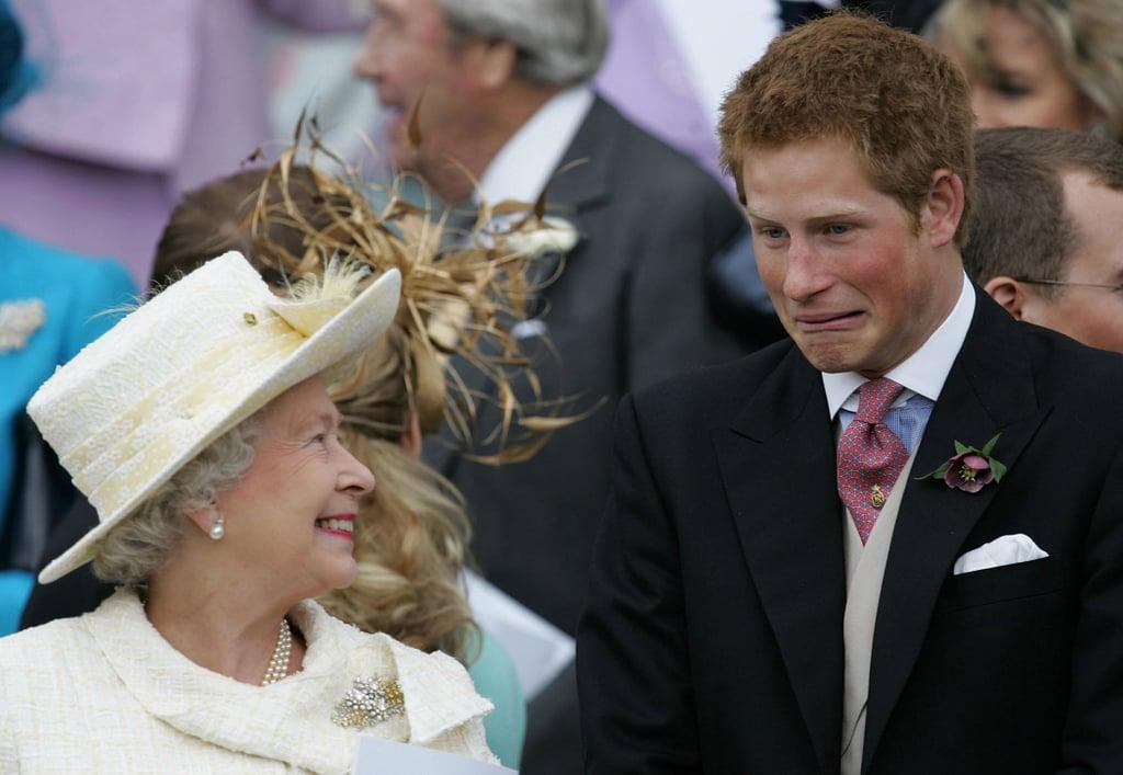 Queen Elizabeth With Her Grandchildren Pictures