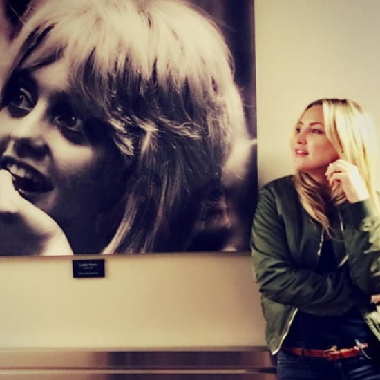 Kate Hudson Poses With Goldie Hawn's Photo on Instagram 2016