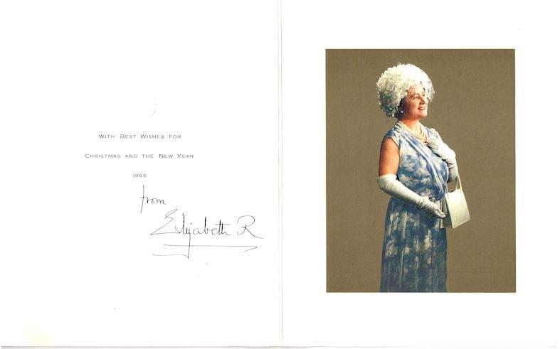 بطاقة من الملكة الأم، 1965