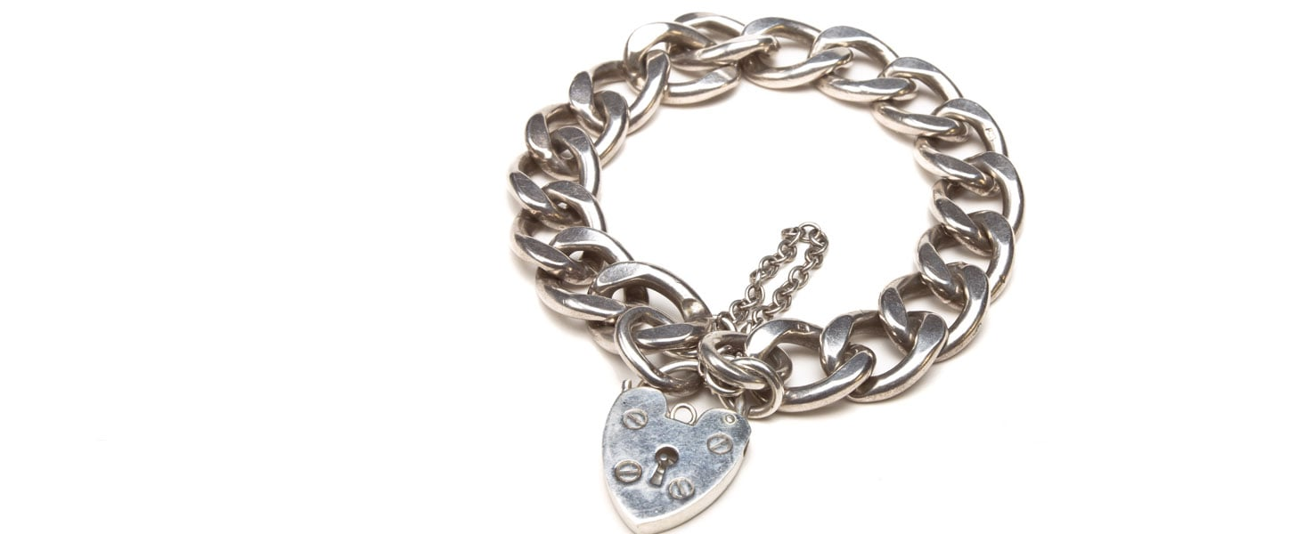 "Your ""Classic"" Heart Charm Bracelet Is Your Go-To"