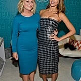 Amy Poehler and Jessica Alba posed for pictures together.