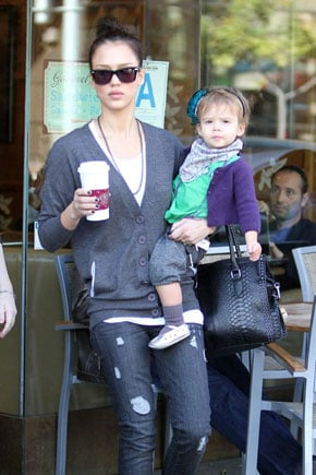 Lil Links: Jessica and Honor Are Stylish on Their Coffee Run