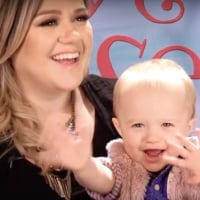 Kelly Clarkson writes River Rose into a children's book