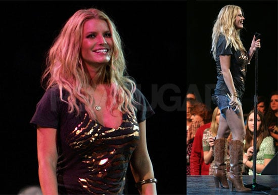 Photos Of Jessica Simpson Performing In Daisy Dukes