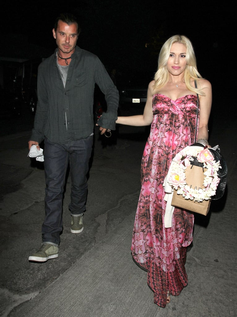 Gwen Stefani and Gavin Rossdale held hands.