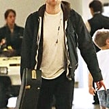 Robert Pattinson made his way through the airport in Melbourne.