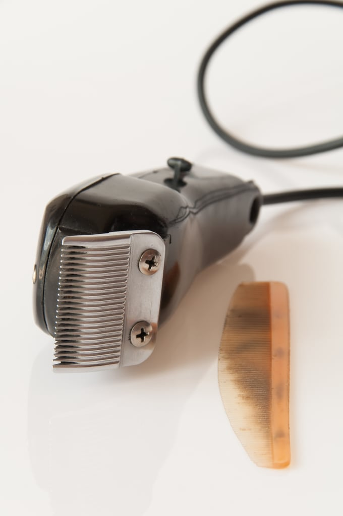How to Cut Women's Hair With an Electric Razor