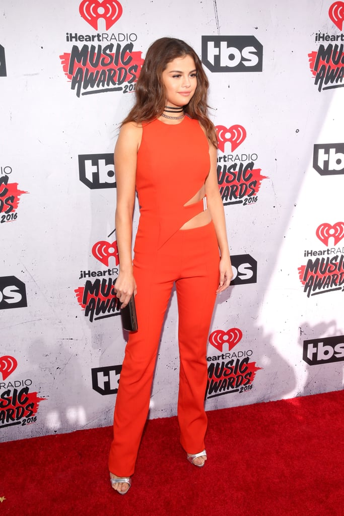 Selena Gomez Wears Choker at iHeartRadio Music Awards 2016
