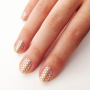 Essie Sleek Stick Nail Appliqué Review