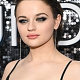 Joey King's Wet Hairstyle at the SAG Awards 2020