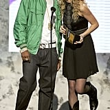 2007: Taylor Presented on Stage With Rapper Fabolous