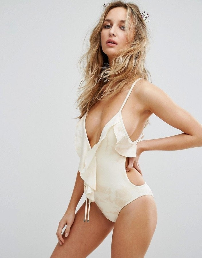 18 Sexy Swimsuits For Your Honeymoon, Because Now Is the Time to Flaunt It