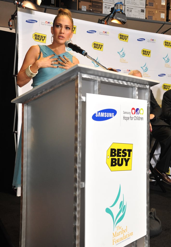 Jennifer Lopez took the stage at a Best Buy in LA.
