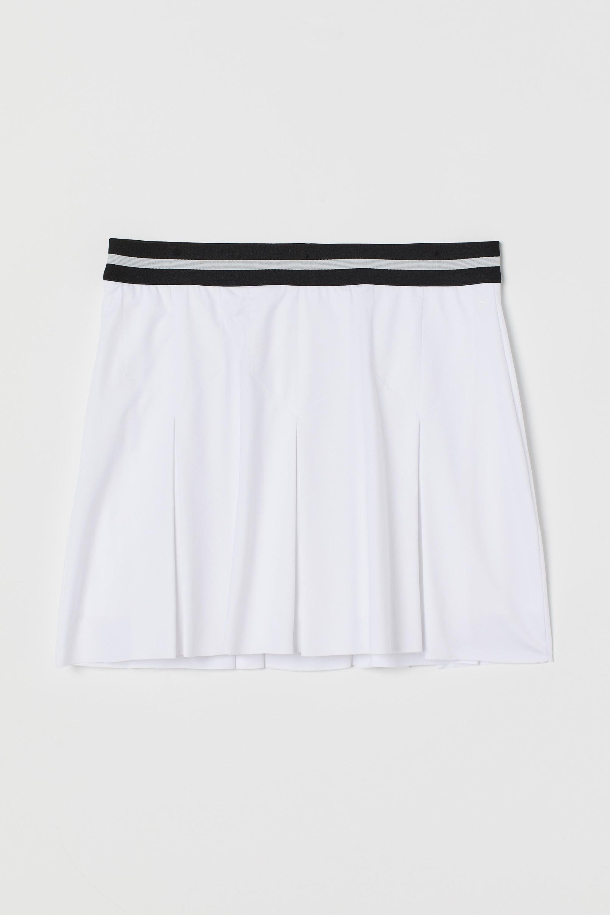 How A Fashion Editor Styles A Tennis Skirt Popsugar Fashion
