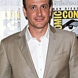 Jason Segel posed on the press line for How I Met Your Mother.