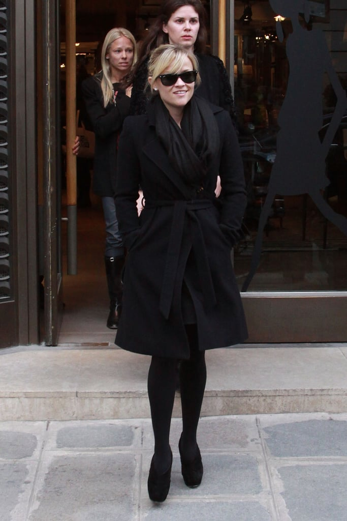 Reese Witherspoon Brown Bags Her Way Around Paris