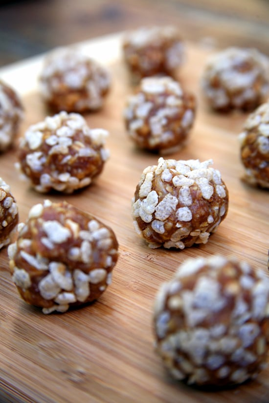 Recipe for vegan no bake peanut butter crisp balls popsugar if youre following a vegan diet and craving a soft and chewy cookie this no bake recipe is sure to trick your taste buds into thinking youre enjoying a forumfinder Image collections