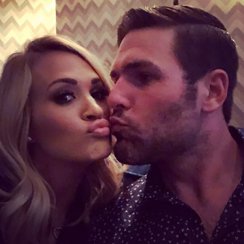 Mike Fisher dating Underwood Carrie esempi di siti di incontri di primo messaggio