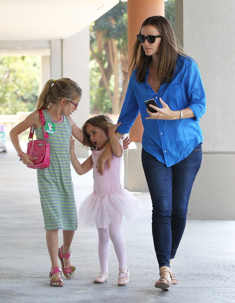 Jennifer Garner took Violet and Seraphina to ballet class on Tuesday.
