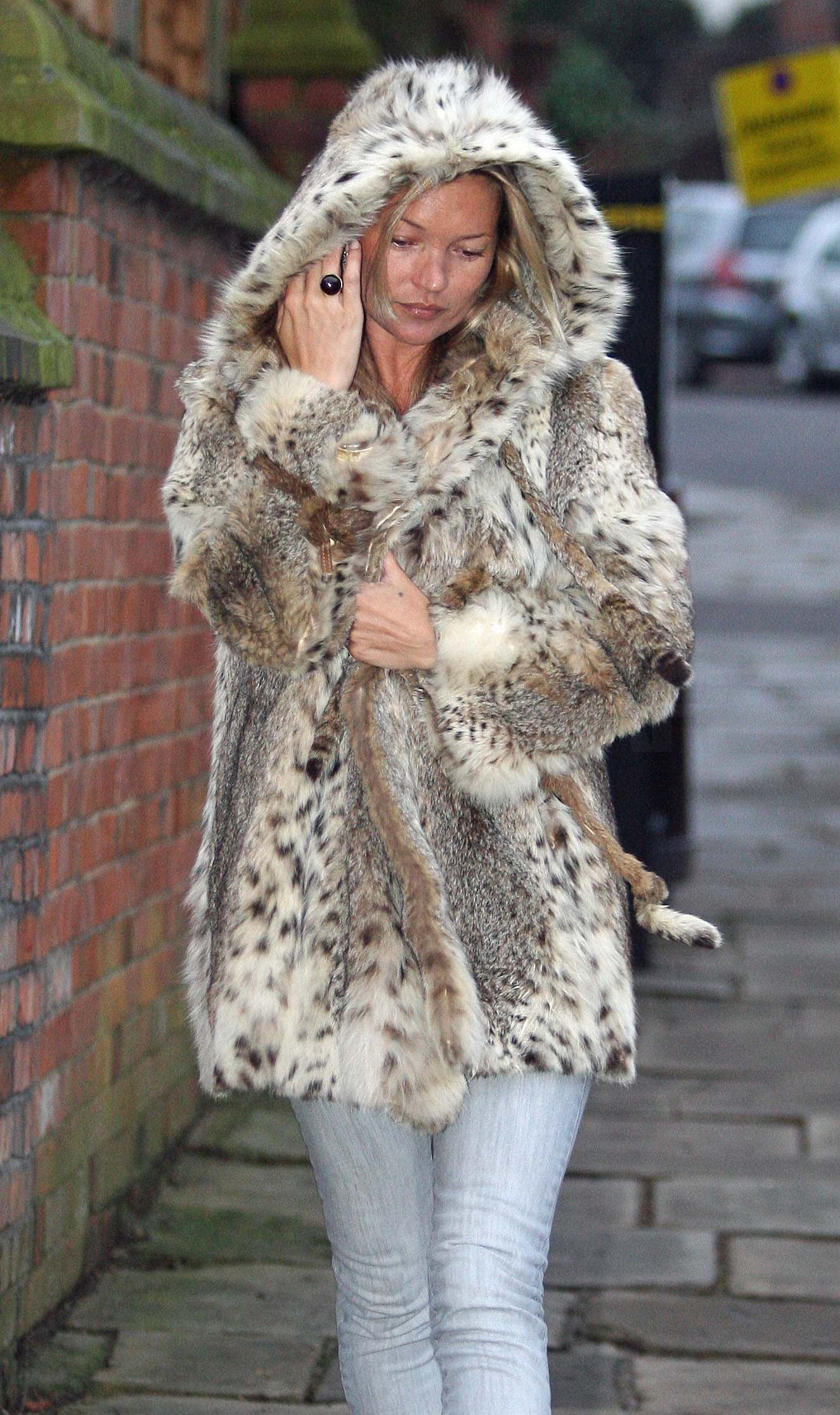 Engaged Kate Moss With Jamie Hince in London