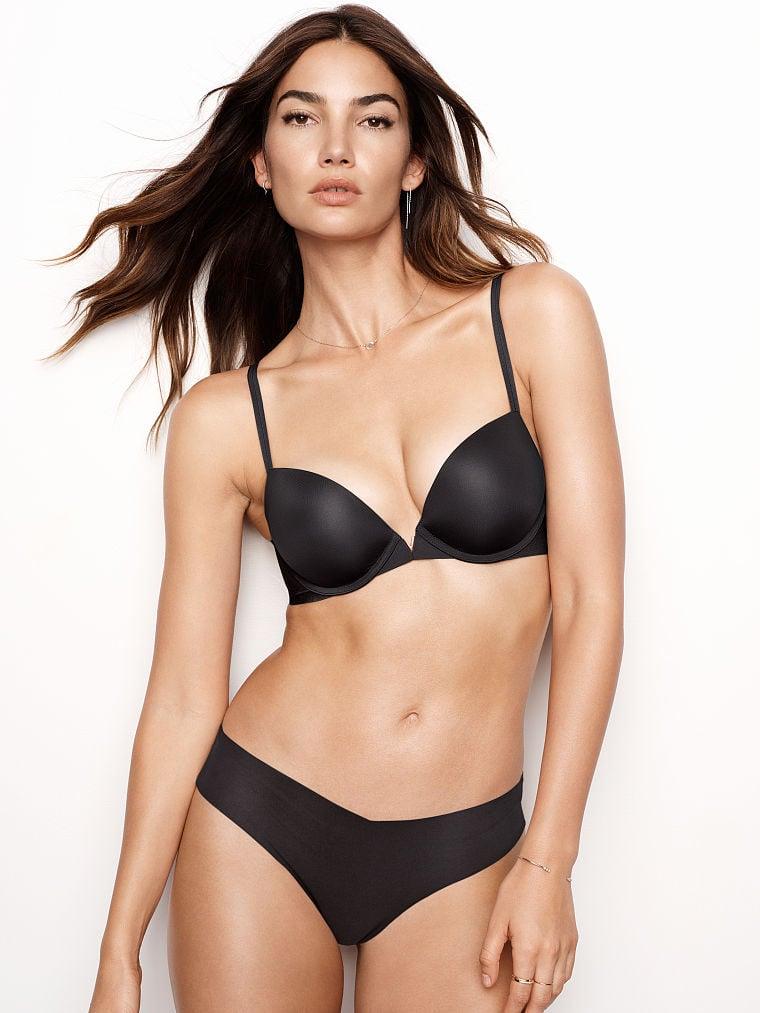Sexy brunette sucking