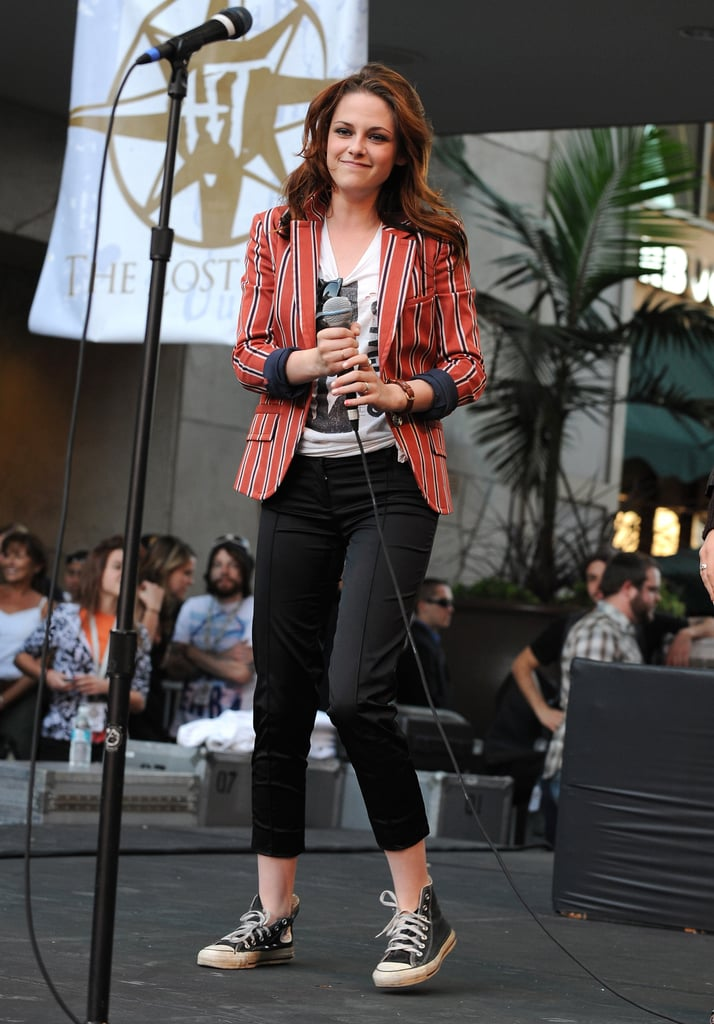 Showing off her signature style at a Twilight cast appearance in 2008.