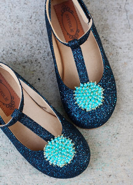 Little girls shoes from Livie and Luca offer super soft leather with details galore. Shoes with sequins and beads are always in style. Girls Shoes and Boots. Girls Shoes and Boots. Livie and Luca take into thought a healthy development of your child's feet. What good is a cute pair of shoes without a comfortable, lightweight design.