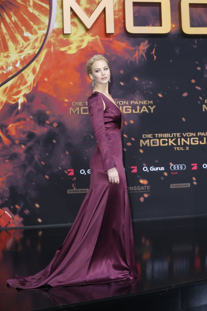 Jen\'s glamorous Dior gown at The Hunger Games: Mockingjay Part 2 ...