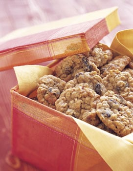 Comforting Classic: Oatmeal Cookies